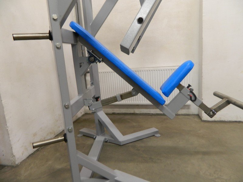 A6XX2 Seated Chest Press (Narrows)