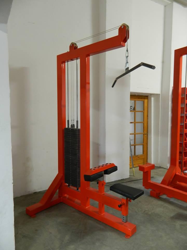 lat-pull-down-machine
