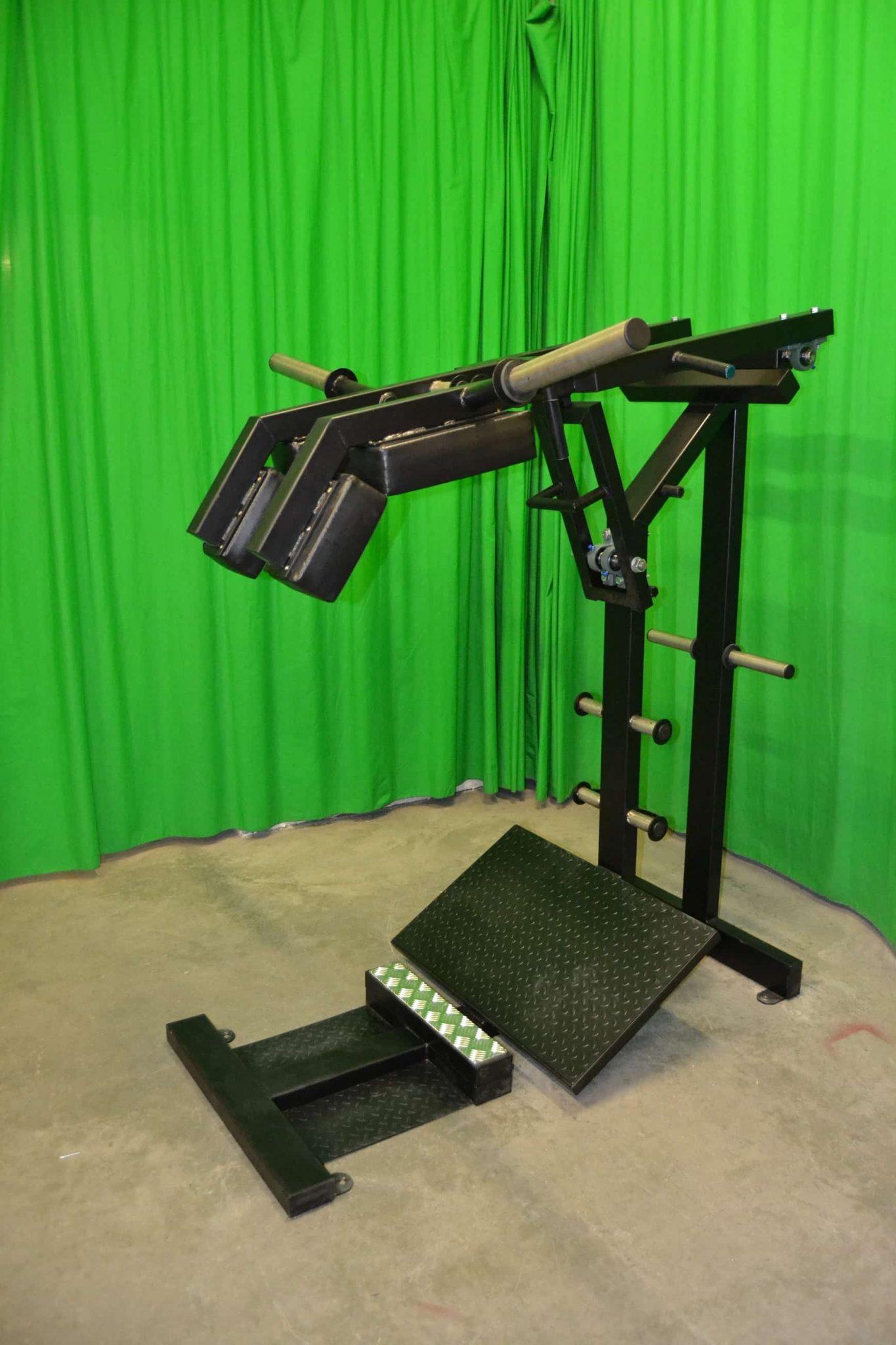 leverage-squat-machine-R2