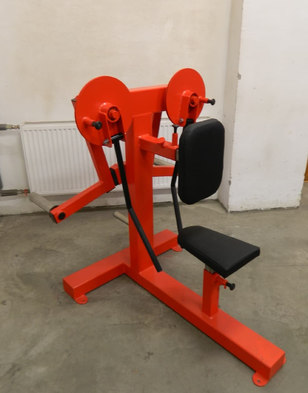 seated-shoulder-lateral-raise-P3X