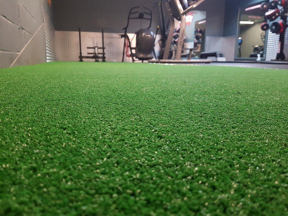 artificial-grass-performance-track